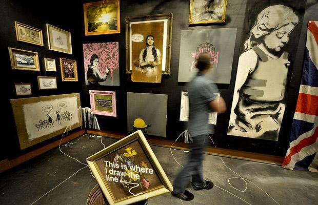 Banksy-art-exhibit_1422727i